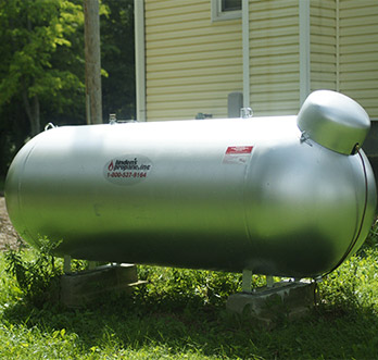 picture of a large residential propane tank